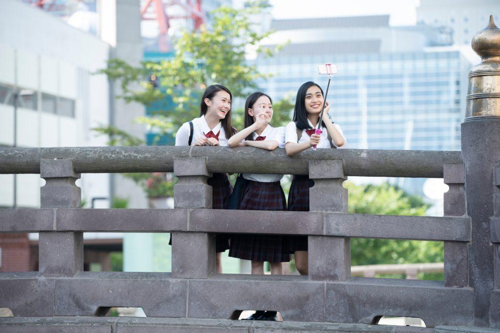 TikTokは中高生中心に人気の短尺動画SNS